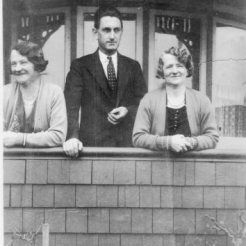 Sisters Elizabeth and May - and May's husband Charles? and maybe at 16 Stanley St Brunswick