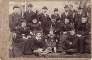 Wells Family. Joseph Wells seated in centre, Hannah Wells seated far left